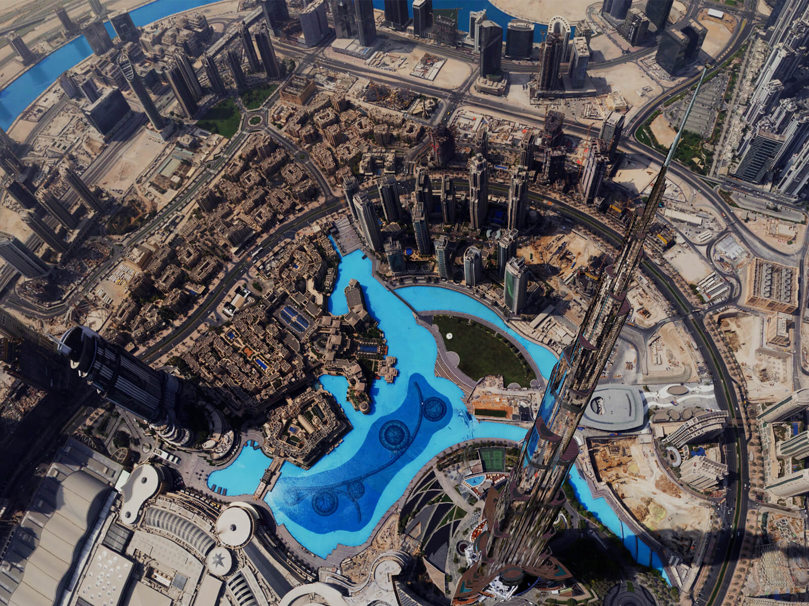 The Dubai landscape from a birds-eye view, taken from the VR title Dubai Rising Falcon.
